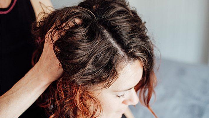 masaż dla włosów